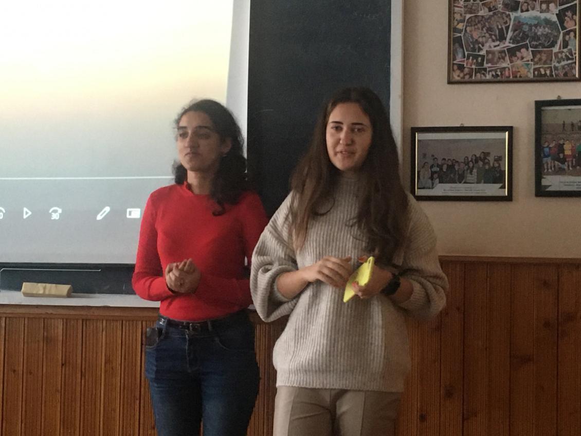 Третьокурсники відділення журналістики презентували під час заняття власний короткометражний фільм