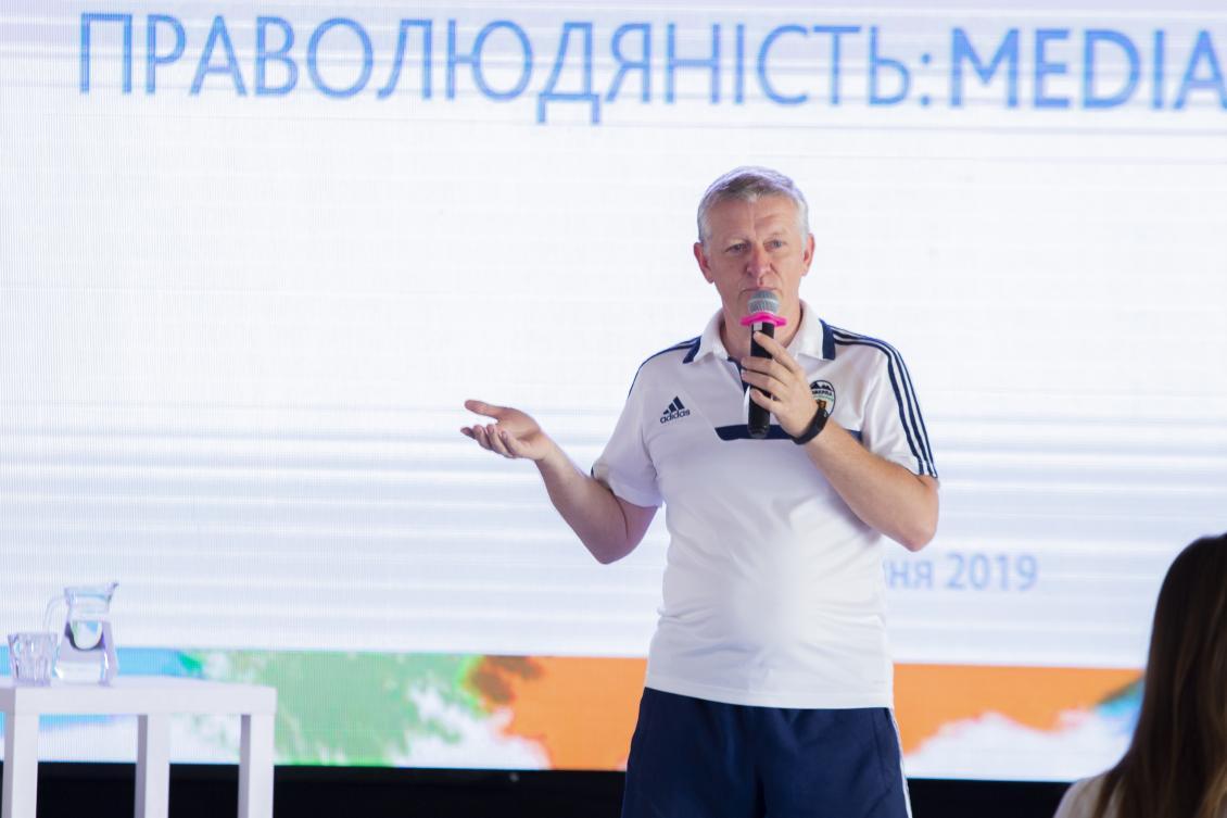 Телепрограму, над якою працюють викладач і студенти відділення журналістики, визнали однією з найкращих в Україні