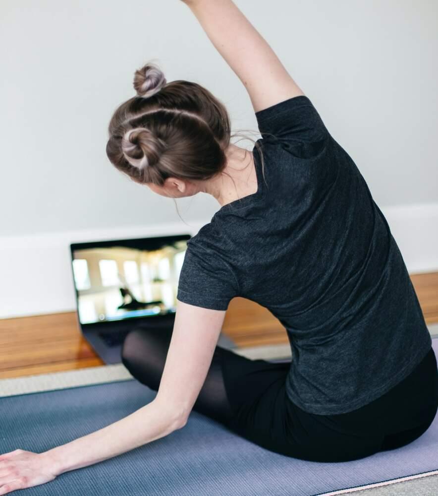 Як залишатися фізично активним під час дистанційного навчання, – радять студенти УжНУ